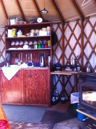 Elkhorn Yurt: well-stocked kitchen