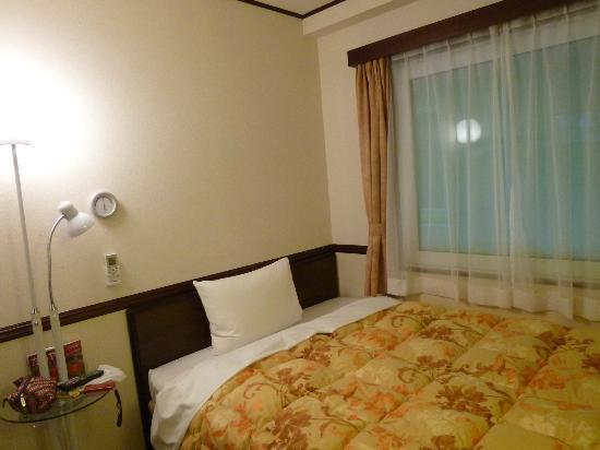 Toyoko Inn Tokyo Akiba Asakusabashi-eki Higashi-guchi: bed