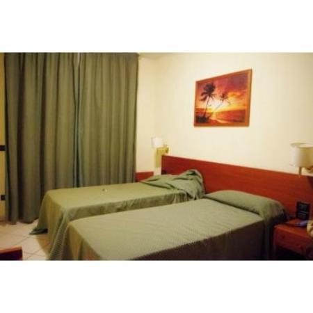 Eur Suite Hotel: ベランダはありますが外には出られません(>_<)