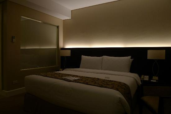 Harolds Hotel: The Fantastic Bed.