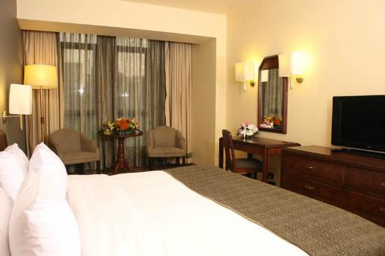 Le Commodore Hotel: Superior Room
