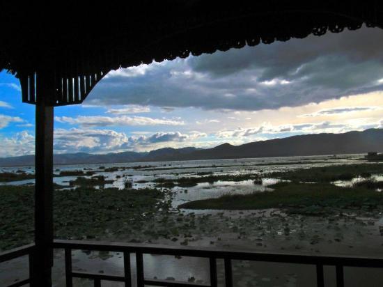 Myanmar Treasure Inle Lake : ミャンマー トレジャー リゾート インレーレイク