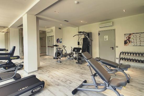 Hotel Le Palme: palestra-gym