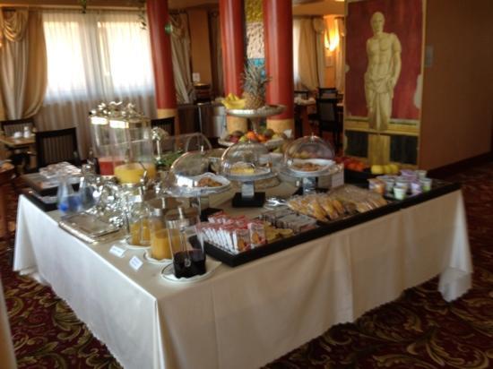 Antares Hotel Rubens: Buffet colazione