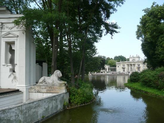 Parque Lazienki: Palace on the water