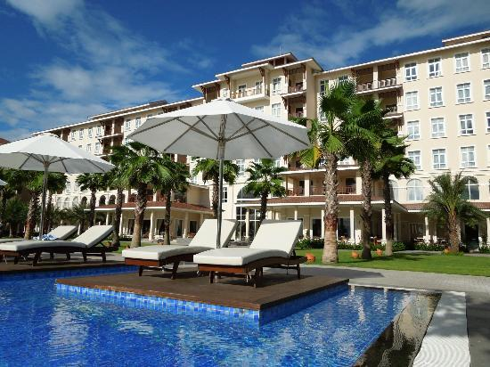 Vinpearl Da Nang Resort & Villas: Hotel & Pool