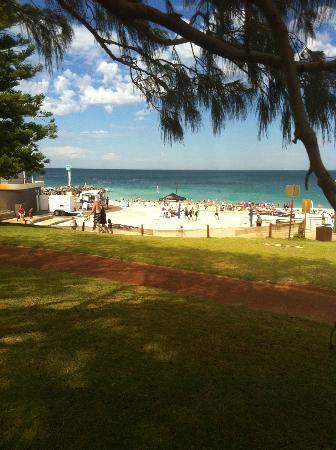 City Beach : Sunday morning club day