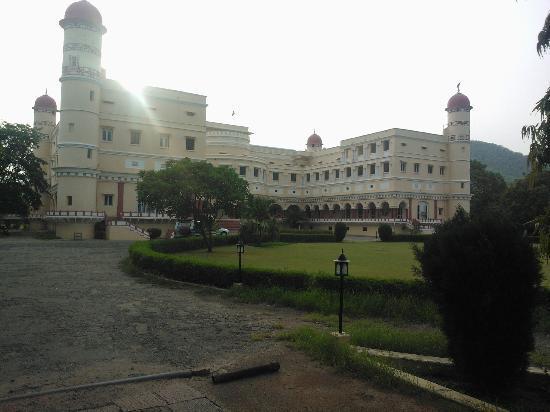 The Sariska Palace: Hotel View