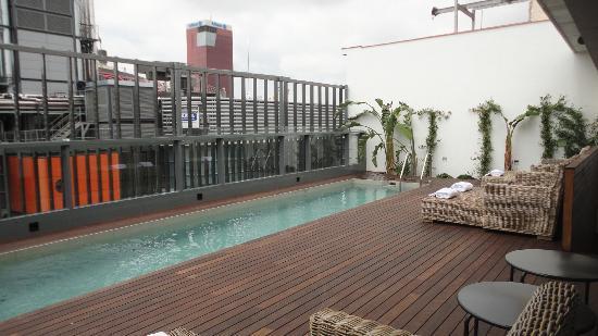 Piscine sur le toit picture of ofelias hotel barcelona - Hotel nice piscine sur le toit ...