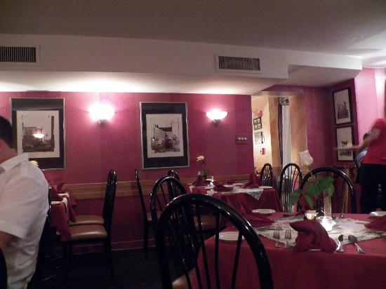 Cafe Berlin: dining room atmosphere