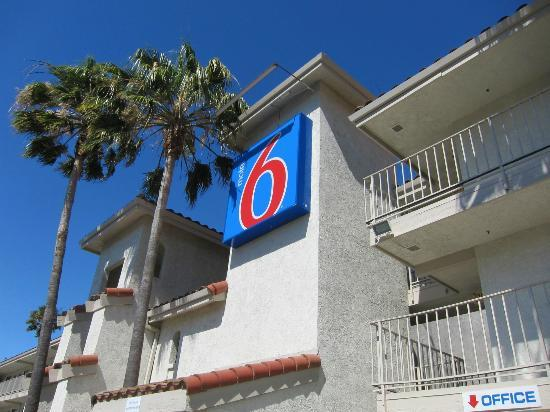 Motel 6 Fairfield/Napa Valley CA: Facade