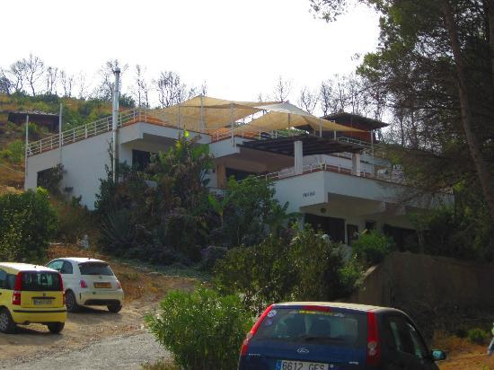 Ibiza Yoga: Villa Rocca as seen from the driveway
