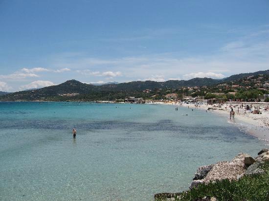 Cala di l'Oru: La voiture reste sur le parking!! car la plage est à seulement dix petites minutes à pied.