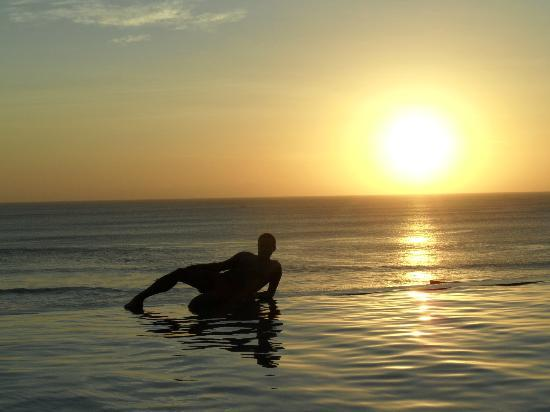 The Zala Villa Bali: SUNSET ON THE BEACH
