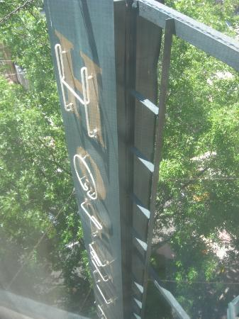 Duncan Hotel: Вид из окна