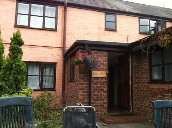 Milton Brook Estate: the cranary cottage