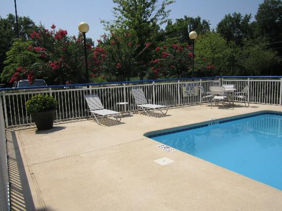 Fairfield Inn Greenville-Spartanburg Airport: Pool area