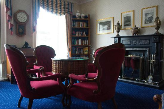 The Bantry Bay: First Floor Common Parlour/Reading Area