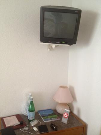 Hotel Robinson : televisore