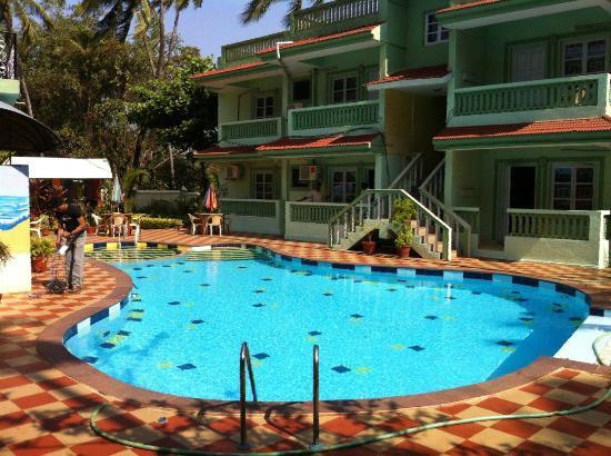 Treebo Jesant Valley Holiday Homes: Swimming Pool