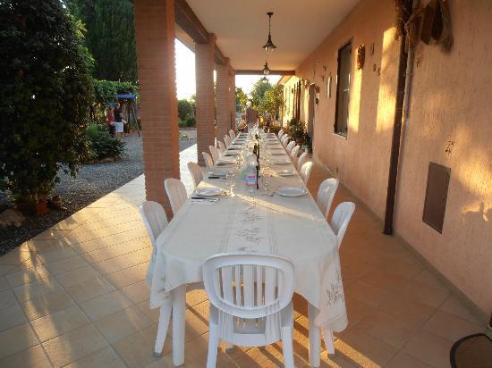 Agriturismo Al Vermigliano: tavola apparecchiata per la cena
