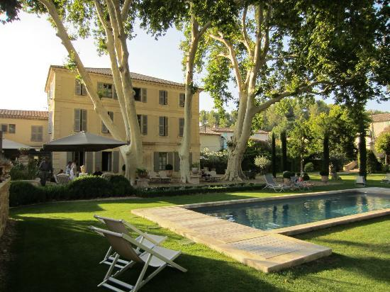 La Bastide de Boulbon: view from the pool area