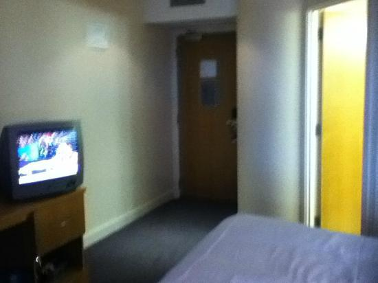 Premier Inn Dublin Airport Hotel: Room Entrance