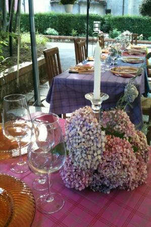 Buon compleanno, la tavola per festeggiare i 50 anni di una