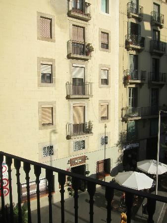 Hotel Ciutat Vella: View from 2nd floor room, recommended brunch spot