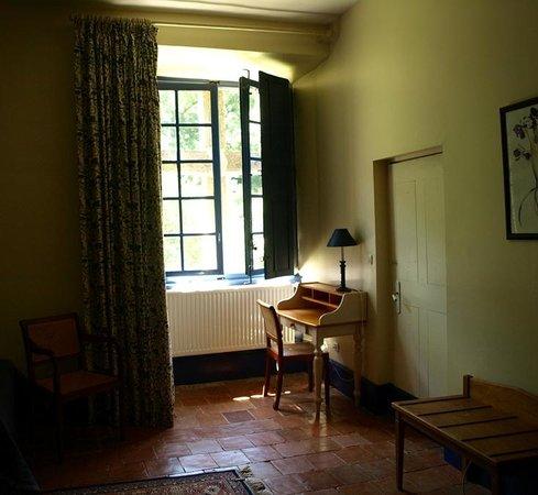Le Castel de Burlats : Bedroom interior