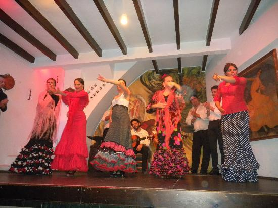 Los Gallos Tablao Flamenco : bailaoras