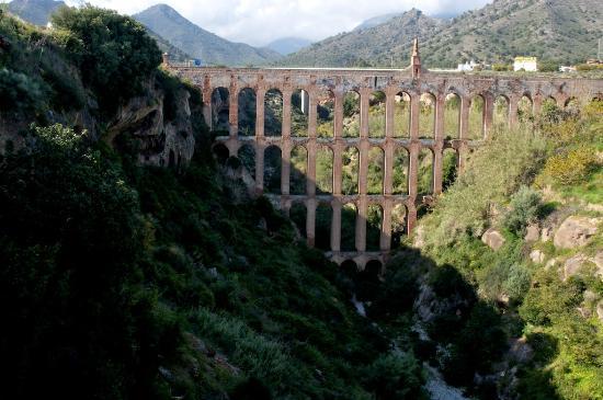 Acueducto del Águila: El Aquila 2010