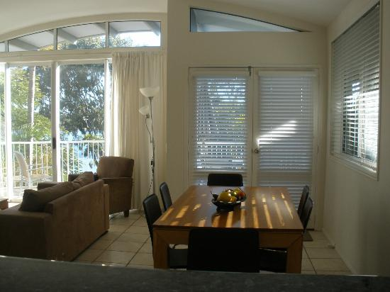 Noosa Outrigger Beach Resort: interior of unit
