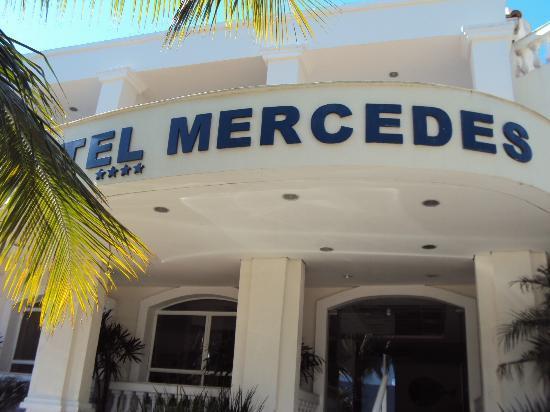 Hotel Mercedes: entrance