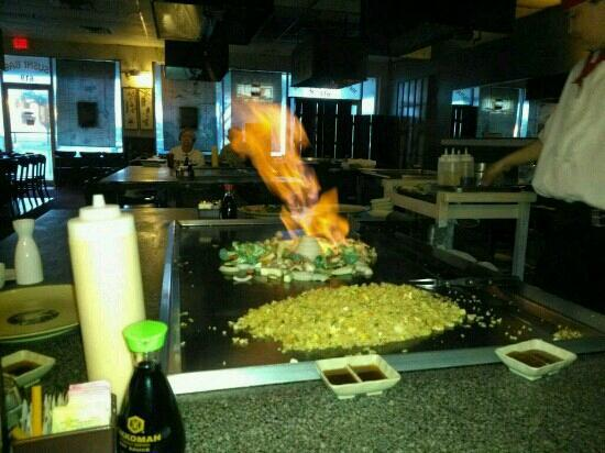 Fuji Japanese Steakhouse: awsome.