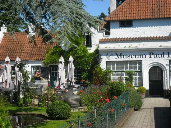 Koksijde, Belgium: Jardin et Restaurant du Musée