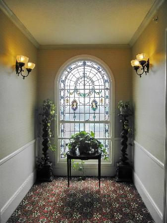 BEST WESTERN PLUS San Pedro Hotel & Suites: Stained Glass window