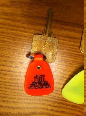 Ann's Motel: actual keys!
