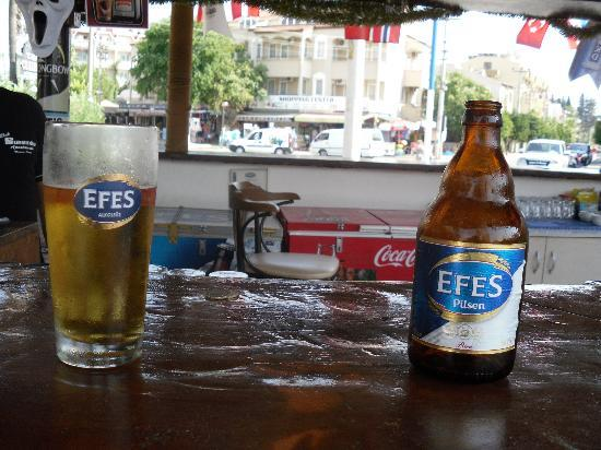 Club Sunsmile: Ice Cold Efes at the pool bar - Heaven!!