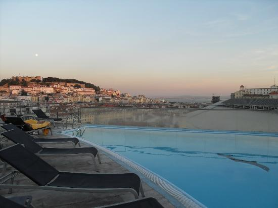 Evening Poolside Veiw Absolutely Amazing Picture Of Vip Executive Eden Aparthotel Lisbon