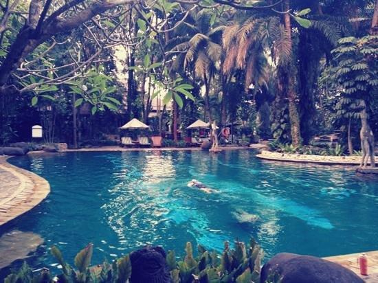هوتل أريادوتا ليبو فيليدج: สระว่ายน้ำที่คลับ 