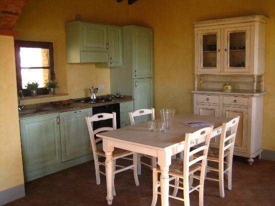 ‪‪Podere Ampella‬: Traditional Kitchen‬