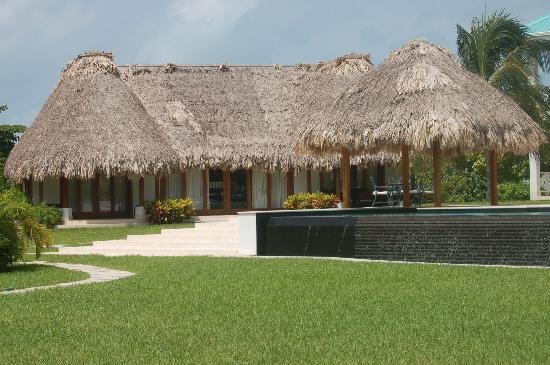 Victoria House: This was our house overlooking the grounds and beach 
