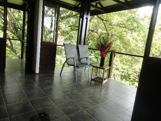 TikiVillas Rainforest Lodge: Room