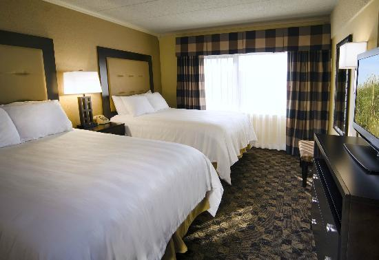 Boulevard Inn: Cityview Suite Bedroom with 2 Double Beds