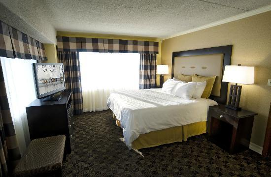‪‪Boulevard Inn‬: Cityview Suite Bedroom with King‬
