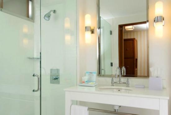 Four Points By Sheraton Memphis-Southwind: Bathroom
