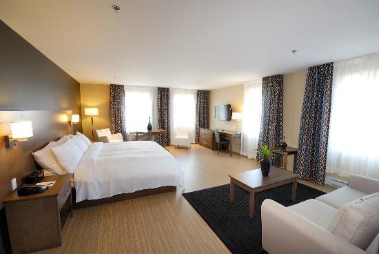 Imperia Hotel et Suites Terrebonne : King Loft Suite