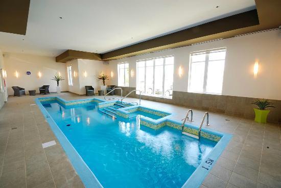 Imperia Hotel et Suites Terrebonne : Pool