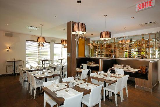 Imperia Hotel et Suites Terrebonne : Restaurant